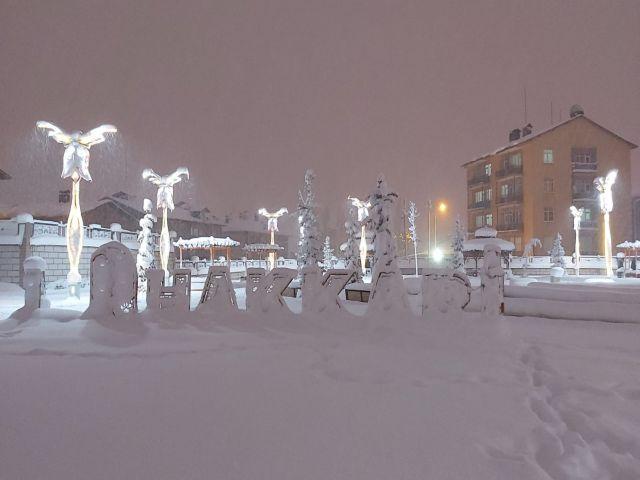 Hakkari'de kış manzaraları (Sabahattin Ertuş )