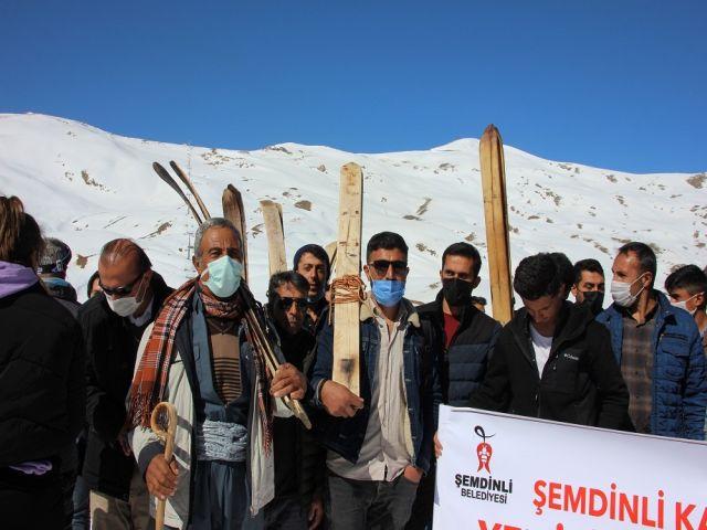 Hakkari Gençlik Merkezi; Şemdinlili kayakçıları ağırladı
