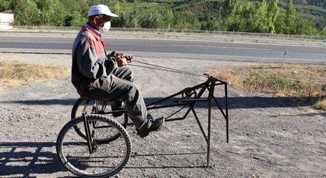 66 yaşındaki mucitten ilginç araç: Yarısı bisiklet, yarısı çekirge
