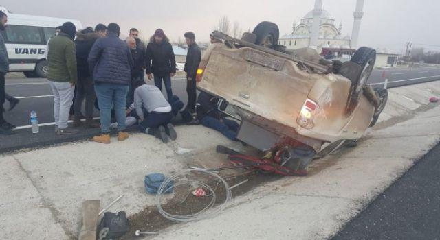 VEDAŞ ekibi kaza yaptı; 4 yaralı