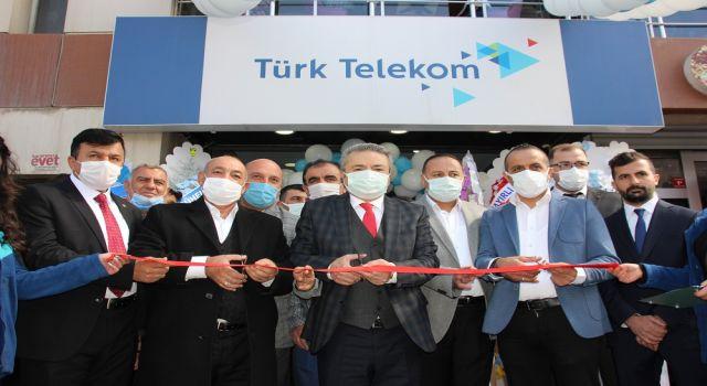"""Hakkari'de """"Türk Telekom Umut İletişim""""hizmete açıldı"""