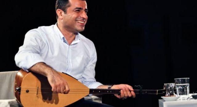 Demirtaş: Kimse Erkan Oğur gibi bir sanatçının üstünü çizemez