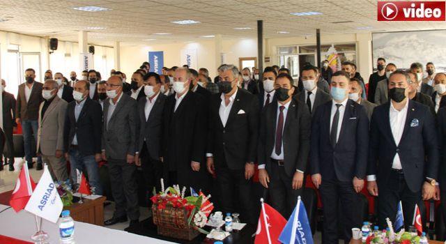 Hakkari ASRİAD Kongresi yapıldı: İş İnsanı Nazmi Demir Başkan seçildi