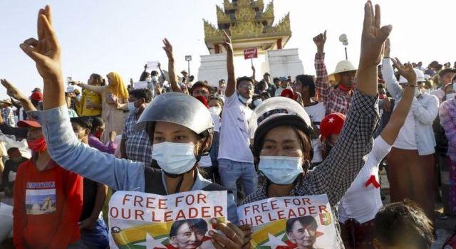 Myanmar'da darbe karşıtı protestolarda 1 günde 80'den fazla can kaybı