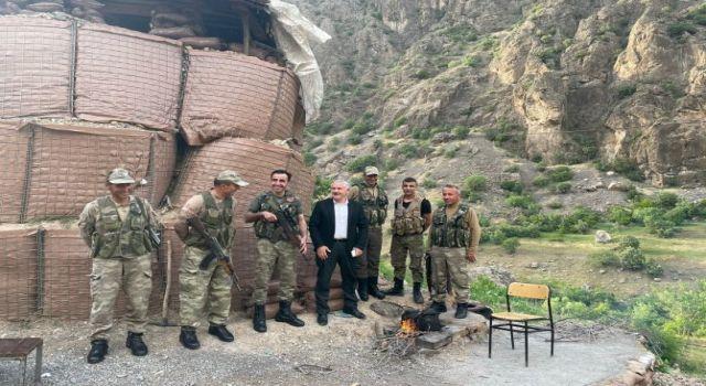 Başkan Özbek'ten güvenlik korucularına ziyaret