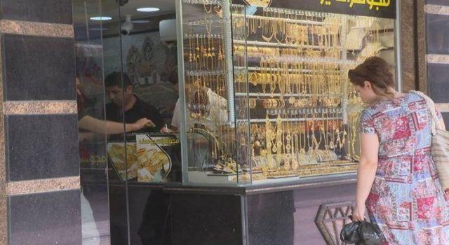 Genç dolandırıcı kuyumculardan kolayca 20 kilo altın topladı