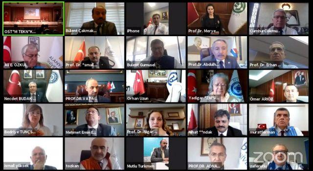 Rektör Pakiş 'Filistin için adalet ve insan hakları çağrısı' bildirisi toplantısına katıldı