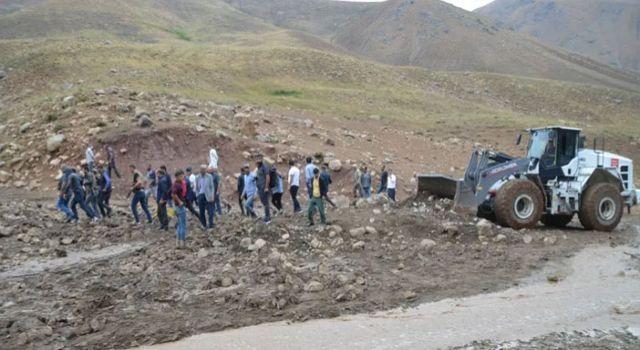 Yüksekova'da sel felaketi: 500 hayvan telef oldu