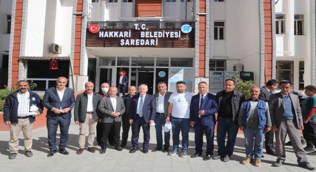 Başkan Özbek çöp kampanyasına destek verdi