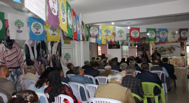 Hakkari HDP'den kutlama etkinliği