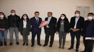 HDP Hakkari il eşbaşkanları mazbatalarını aldı