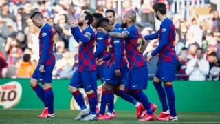 Barcelona son dakikada 3 puanı aldı
