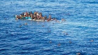 Tunus açıklarında gemi battı: 57 mülteci hayatını kaybetti