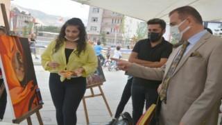 Vali Akbıyık sanat günleri etkinliğini ziyaret etti