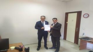 CHP Hakkari Merkez İlçe Başkanı Taş Mazbatasını aldı