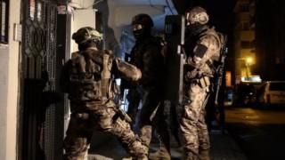 İstanbul'da ev baskınları: TAYAD ve Direnişçiler Meclisi'nden 8 kişi gözaltına alındı