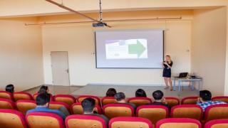 """Hakkari Üniversitesinde """"Yara Bakımından Güncel Yaklaşımlar"""" semineri"""